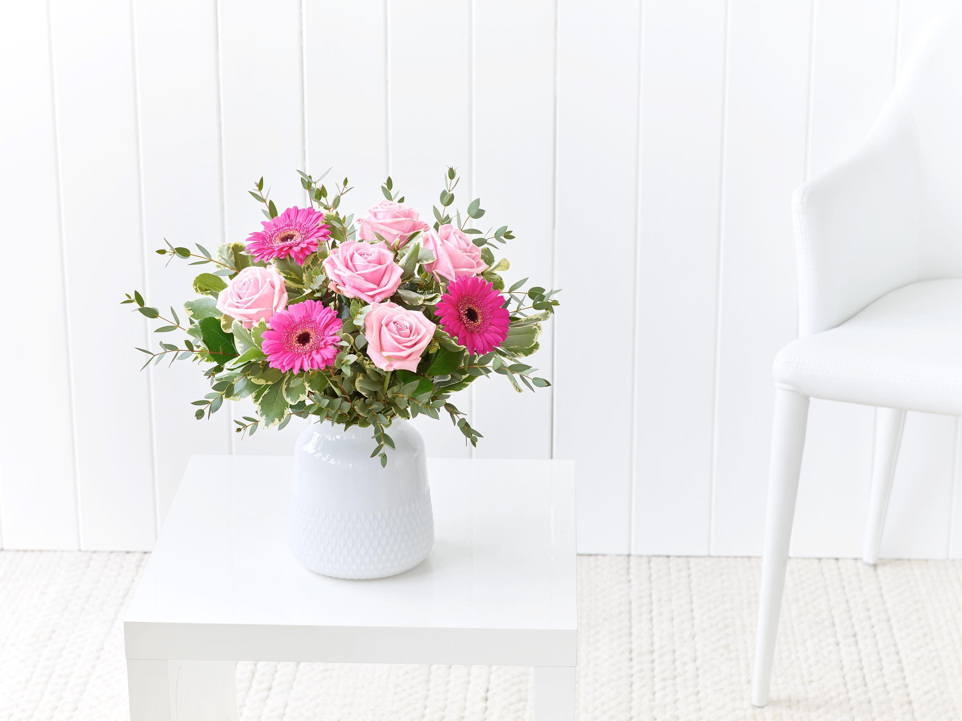 Blushing Blooms Jarron