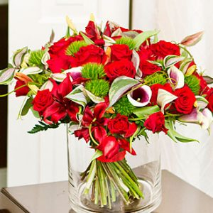Luxurious Bouquet with Re