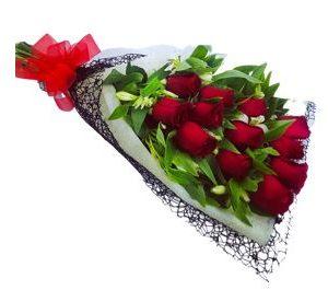 12 Rosas en Bouquet